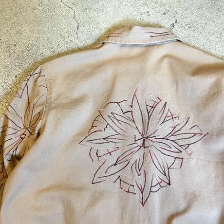 葉っぱ刺繍ジャケット