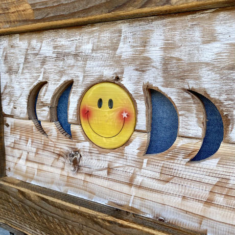 Smile moon wood board by puka場art