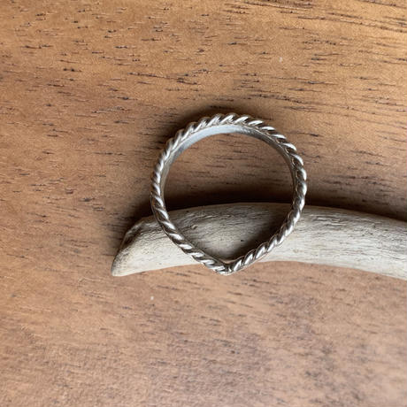 V double ring