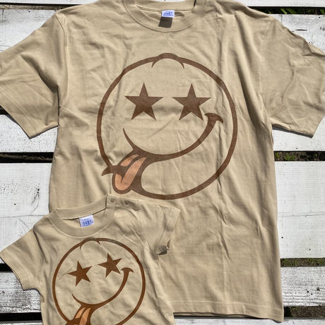 Smile surf kids Tee by The Rollinfly