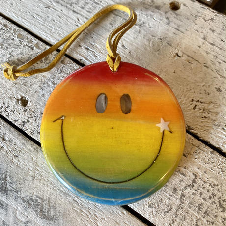 Smile wood resin charm by puka場art