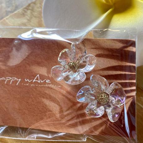 Flower & foop pierce by happy wave