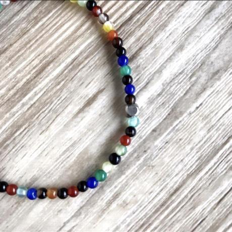 Color beads bracelet