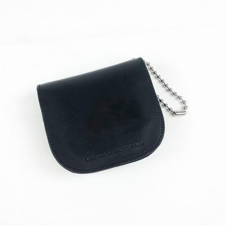 ショルダーチェーンを外せばウォレットとしてもお使い頂ける round pouch