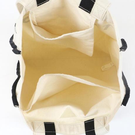 【夏に気軽に使えるオススメアイテム♡】マチも広めなのでマザーズバッグにも◎ Marker canvas LOGO TOTE