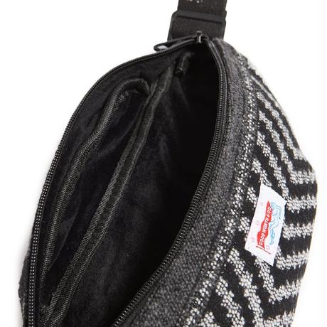 JANE FONDLE  HIP BAG - BLACK/WHITE