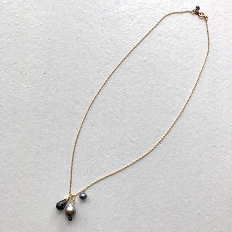 ちっちゃいタヒチアンパール のネックレス