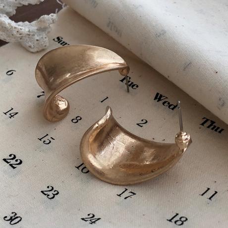 Vintage type volume pierce