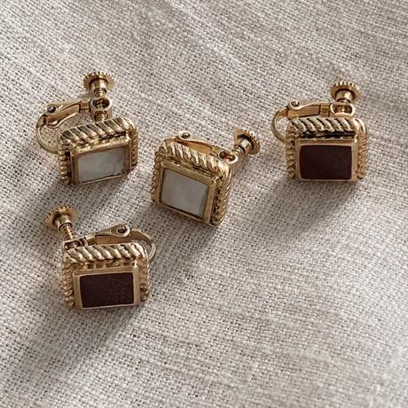 Vintage type stone earring