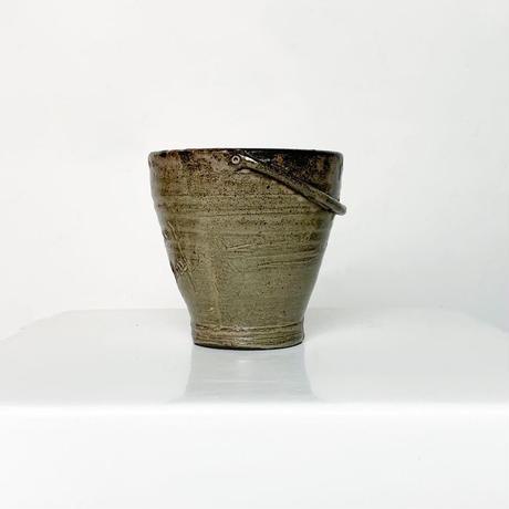 Ceramic bucket vase