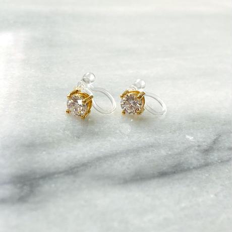 Swarovsky(スワロフスキー)社製ジルコニアダイヤモンド 一粒スタッドピアス