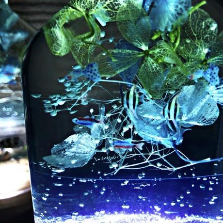 おうちで水族館♫熱帯魚泳ぐ白砂ビーチの海の世界 ~海の灯りアクアリウム~癒しの天然ブナの木のLED
