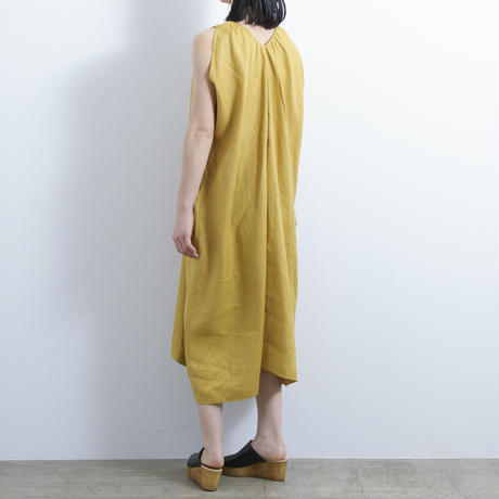 KLOKE / CRESCENT V-NECK DRESS