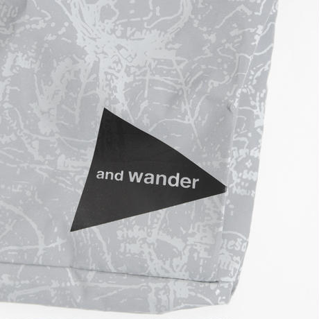 and wander/ Reflective sacoche