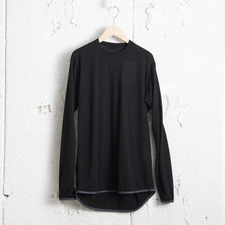 and wander / Merino base T