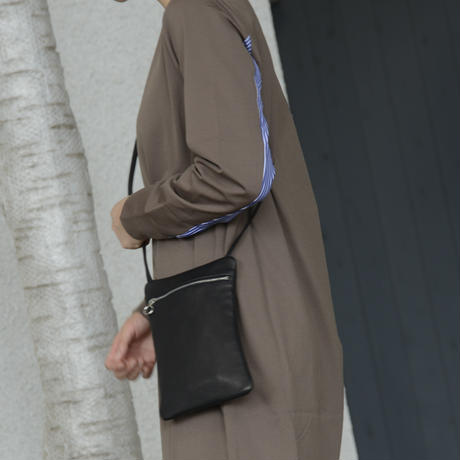 Aeta / Flat Pouch Shoulder type B