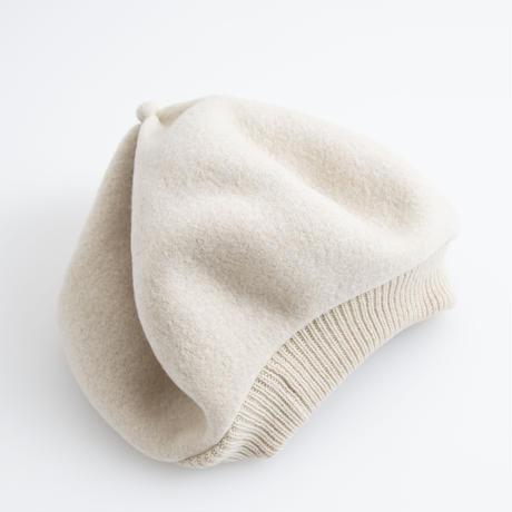 mature ha. / Beret top gather rib cashmere & lamb
