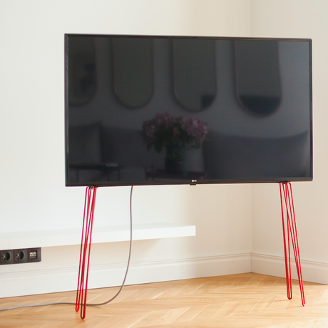 JALG HAIRPIN TV STAND / RED