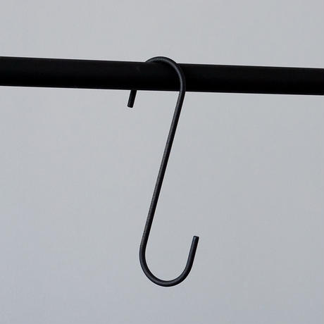 014  S Hook L - Black