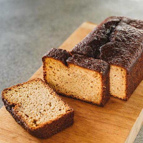 チャコール・バナナブレッド <Charcoal Banana Bread>