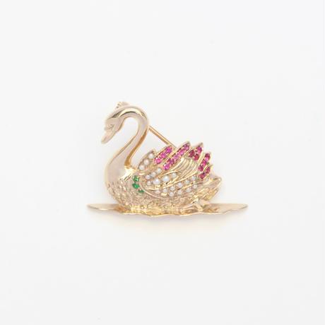 スワンブローチ*9ct gold, ruby, garnet & pearl