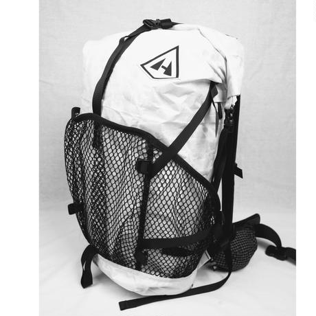 Hyperlite Mountain Gear / 2400 Windrider    WHITE