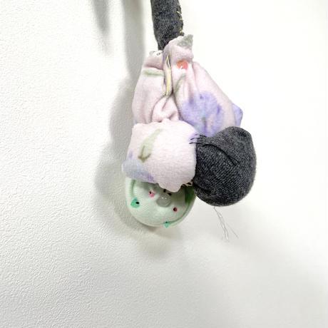 MIYAMOTOKAE  喉を通る猫 キーホルダー