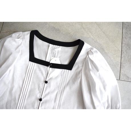 梨凛花~rinrinka~ Volume sleeve tack blouse