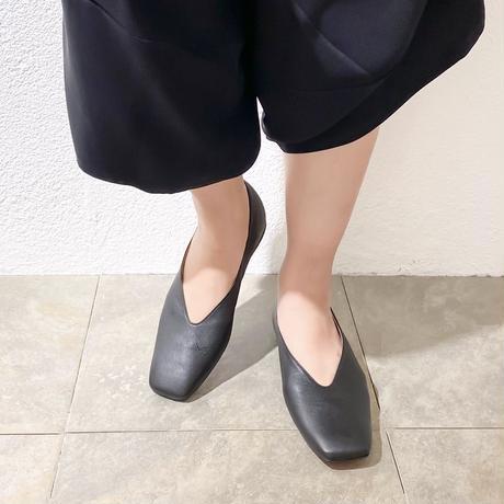 スクエアVカットフラットシューズ / Square V-Cut Flat Shoes L0205(BLACK)