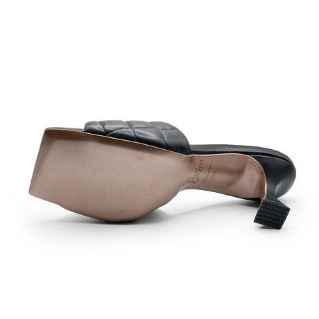 スクエアトゥキルティングミュールサンダル/Square to quilted mule sandals L0227(BLACK)