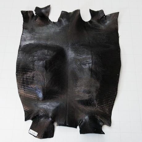 トカゲ革【最大幅26cm以上】黒/ツヤ強/ 腹割/0381