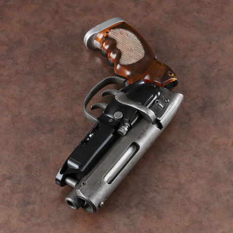 Tomenosuke Blaster OG Stunt Model Kit (comes with Walnut-veneer Display Stand - no logo)