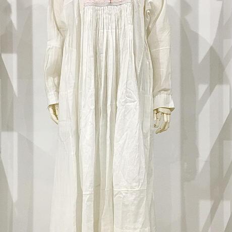 injiri-マルチカラー刺繍Vネックドレス/ ホワイトベース/E2333