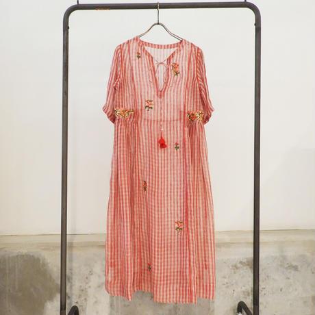 ETTA Selection リネン100%ハンド刺繍/ドレス/ピンクレッド