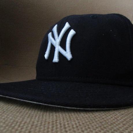New York Yankees NEW ERA UNDEFEATED コラボ NY WORLD SERIES CHAMPIONS ベースボール キャップ