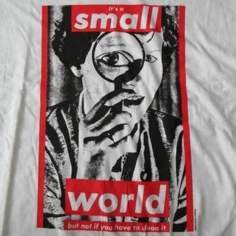 バーバラ・クルーガー FOTOFOLIO It's a small world Tシャツ L Barbara Kruger フォト ART 芸術 現代美術 ボックス BOXロゴ【deg】