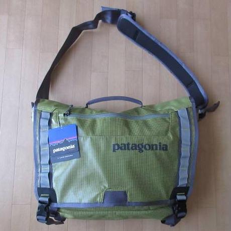 パタゴニア ブラックホール メッセンジャー バッグ 22L Folios Green PATAGONIA Black Hole Messenger ショルダー 鞄 サイクリング【deg】