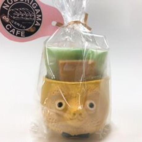 忠左衛門オリジナル手作り狸カップ(黄)と山田牧場さんのお菓子セット