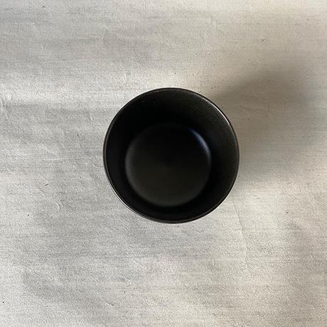 角湯呑み 黒 011