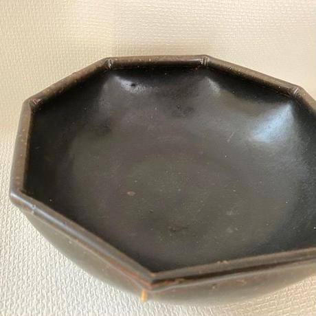 光藤  佐/ 黒釉八角鉢6.5寸  015