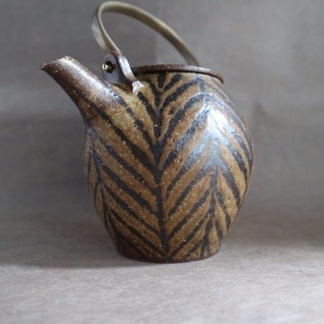 鉄絵土瓶 020