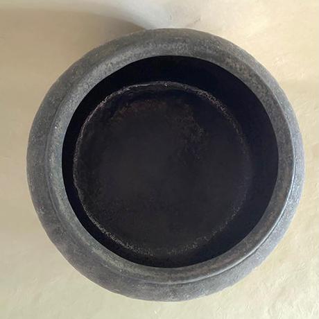 炭化壺 50
