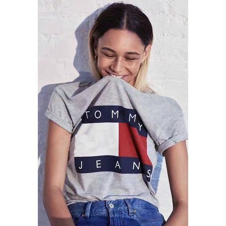 新入荷 未使用 トミーヒルフィガー TOMMY Tシャツ 半袖 美品 人気新品  男女兼用 人気 4色