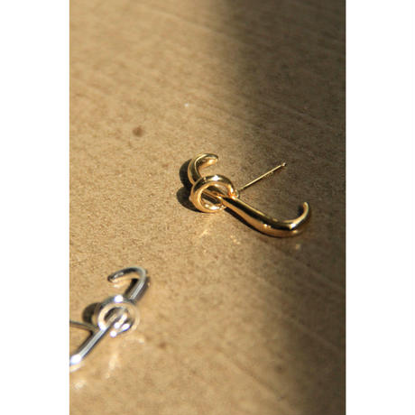 【KNOBBLY STUDIO】LINK LINK EARRING  Gold(GS001-00055)