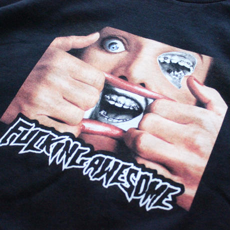 【NEW】FUCKING AWESOME BRACE TEE