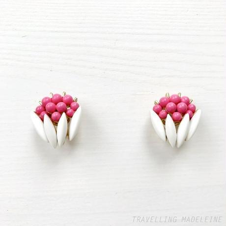 TRIFARI 1960's Pink & White Flower Clip Earrings ピンク&ホワイト お花のクリップイヤリング(A19-