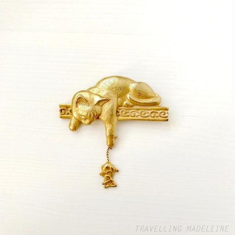 JJ 1980's Gold Cat and Mouse Brooch ゴールド 猫 & ねずみ ブローチ(W18-335B)