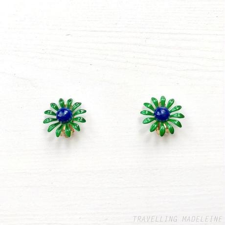 DU BARRY 1960's Enamel Green & Blue Flower Clip Earrings ブルー&グリーン エナメル フラワー クリップイヤリング(Sp19-156E)