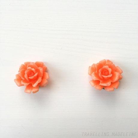 ピンク プラスチック バラ クリップイヤリング Plastic Pink Rose Clip Earrings (W18-1E)