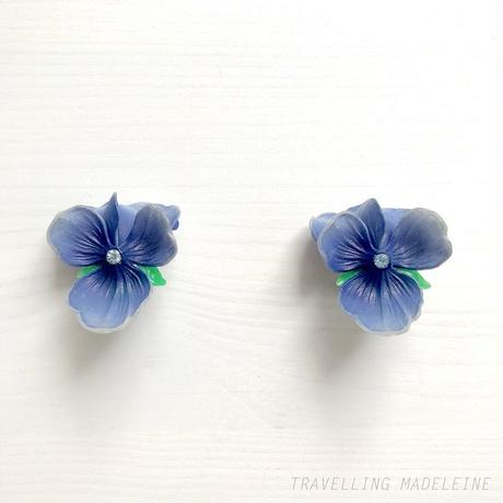1950's Plastic Blue Violet Clip Earrings プラスチック 青いスミレ クリップイヤリング(Sp19-82B)
